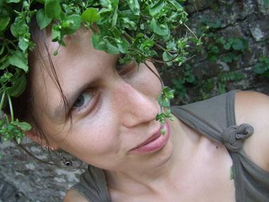 (c) wildy nourished - leaf chickweed wig